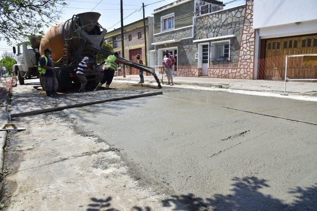 Se realizó la remoción de la carpeta dañada para luego comenzar con la colocación de la nueva infraestructura.