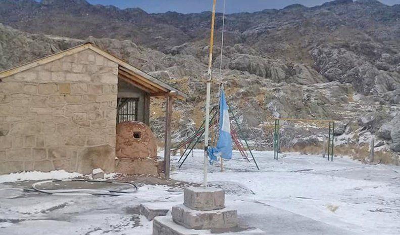 Postales de la nieve en Calamuchita, en una fría mañana de viernes