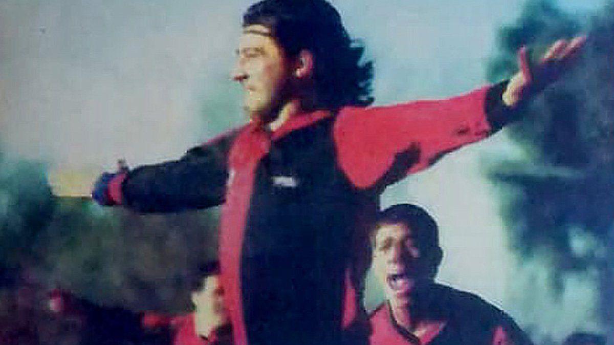 El festejo de Ariel Menta en el primer gol de Colón