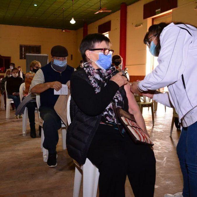 Autoridades esperan el arribo de más dosis para dar continuidad al plan de vacunación.