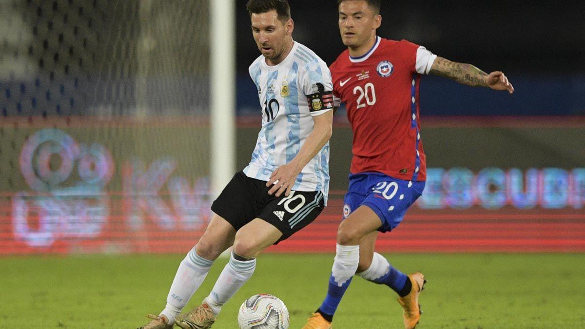 Messi puso en ventaja a la Selección argentina.