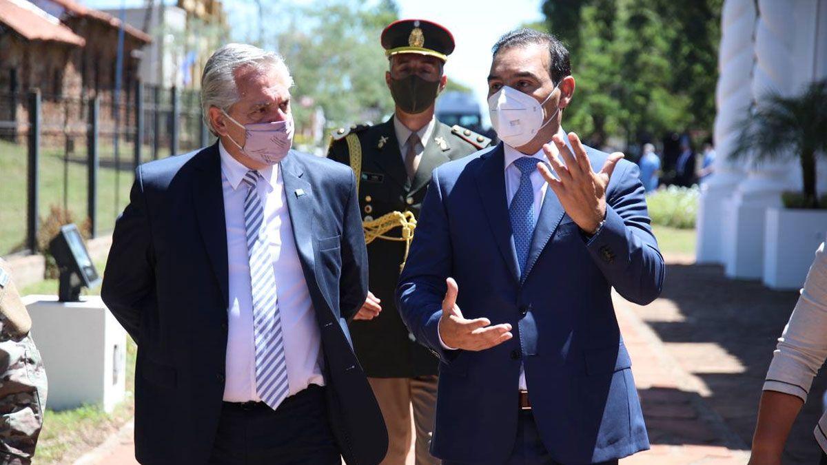 El presidente Alberto Fernández junto al gobernador de Corrientes