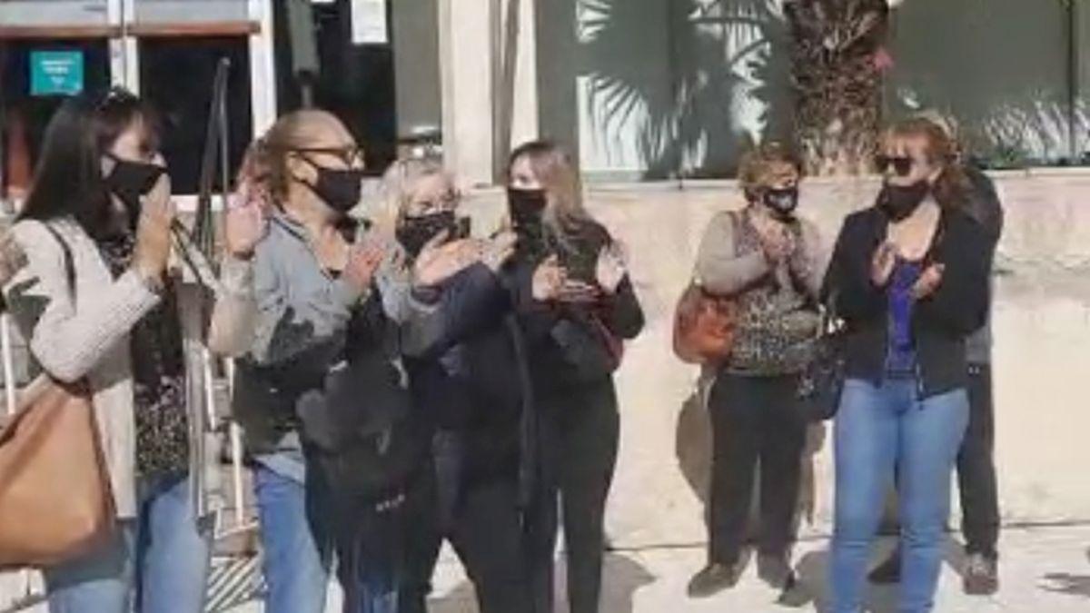 Protesta frente a Tribunales.