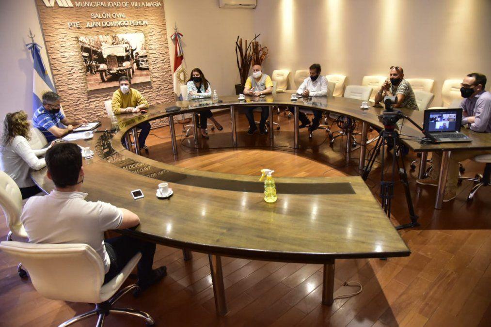 Municipio se reunió con representantes de empresas de taxis
