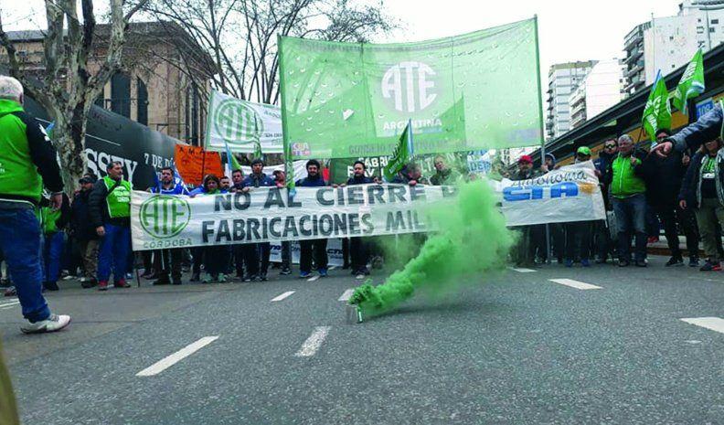 Trabajadores de la Fábrica protestaron en Buenos Aires