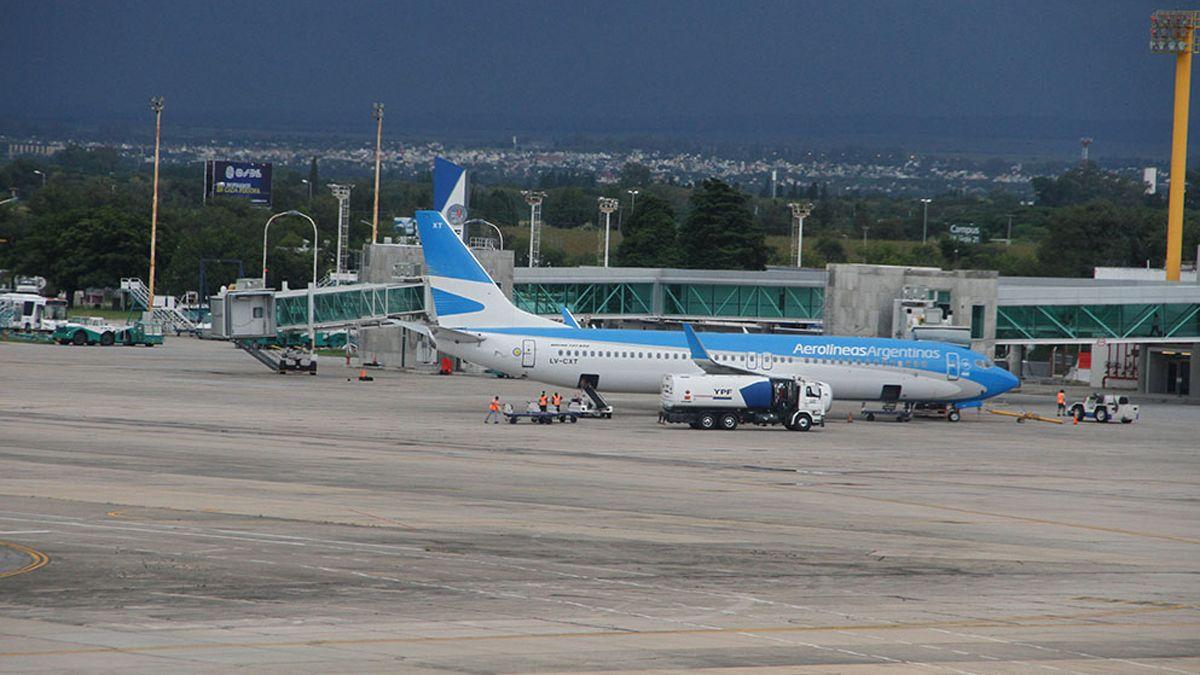 Schiaretti pidió que el Aeropuerto Ambrosio Taravella sea considerado como corredor seguro.
