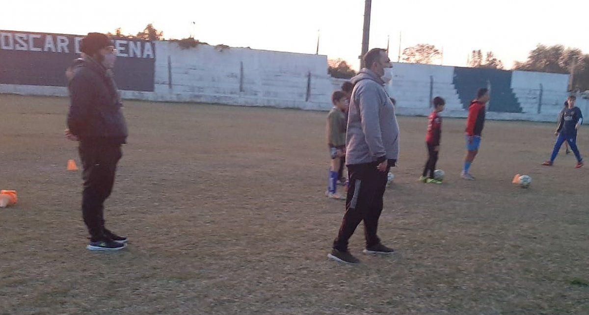 """Mayo marcó el comienzo del impasse en las prácticas en Argentino. Christian Romero y Alexis Zegatti evalúan el regreso de los """"lobos"""" al club."""