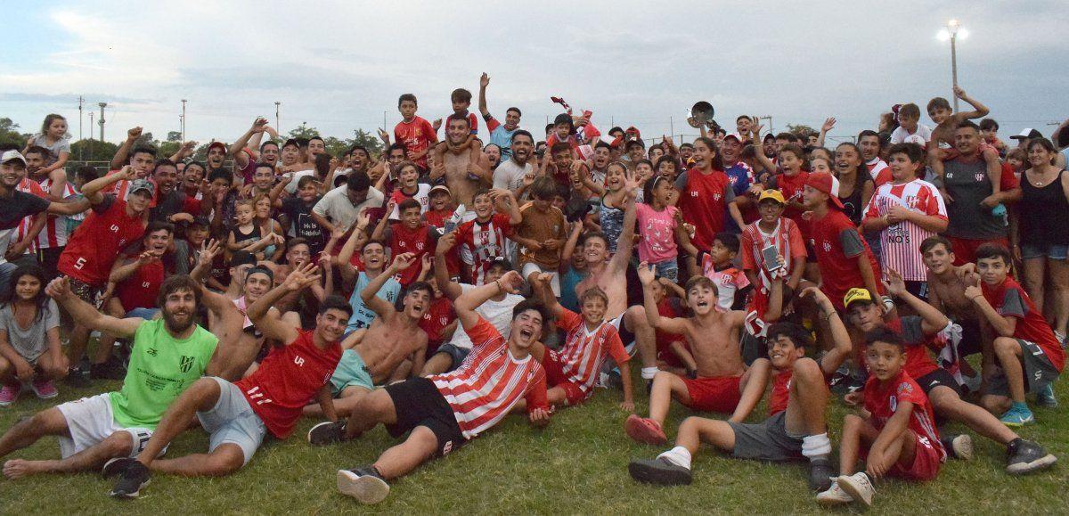 Crece y se proyecta. El Club Atlético Ticino cumplió 89 años de vida. El pueblo festejó el cuarto título en la Liga Villamariense de Fútbol el 5 de enero de 2020. En noviembre jugaría su primer torneo nacional.