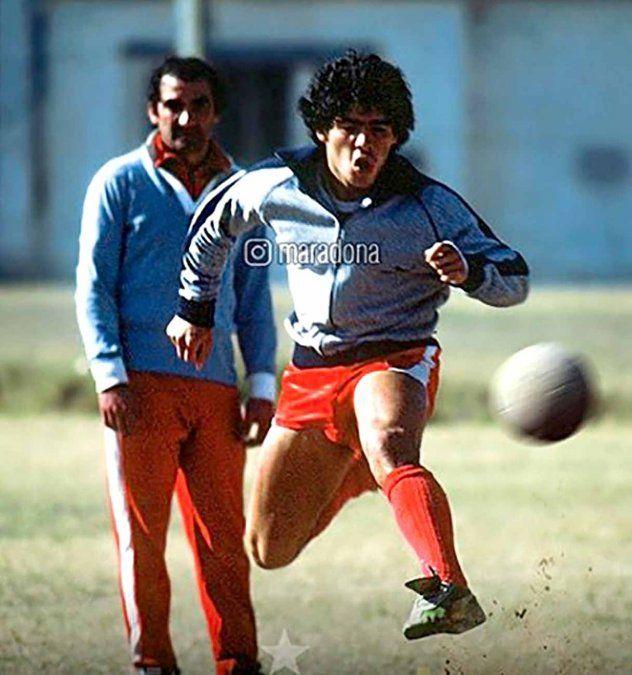 """Maradona con """"Zurdo"""" López como DT en Argentinos. La admiración fue mutua y eterna."""
