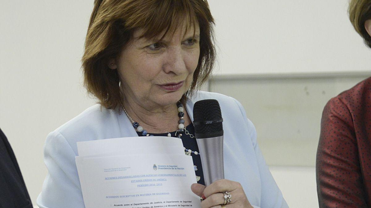 La oposición critica el proyecto contra Rozenkrantz