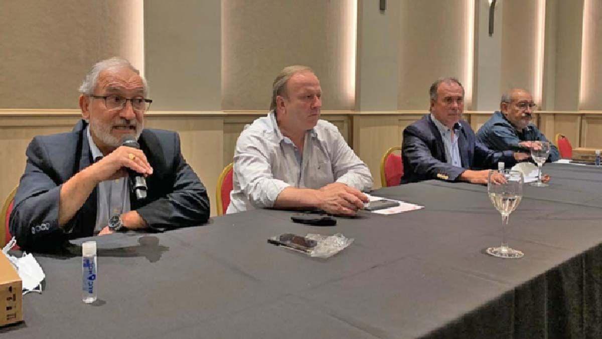 Oscar Saliba preside el Foro de Intendentes de la UCR