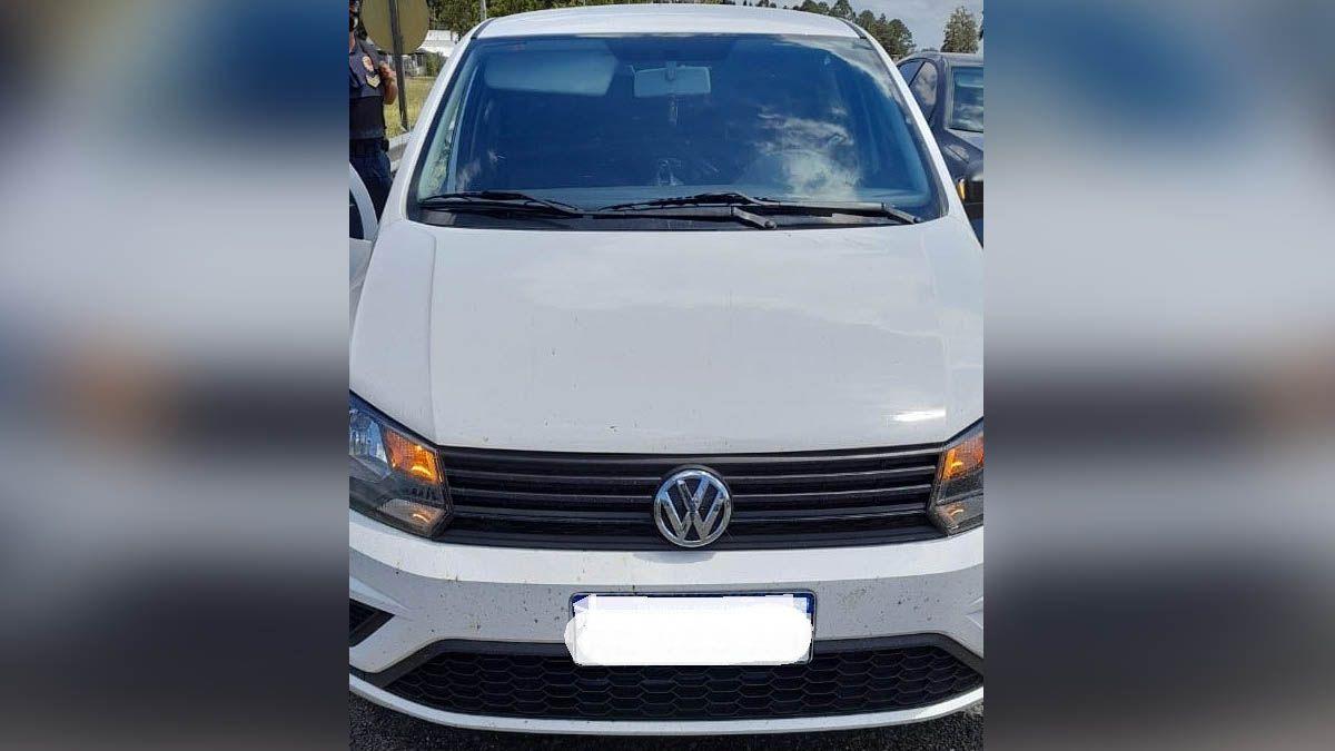 Los sospechosos circulaban en un VW Gol.