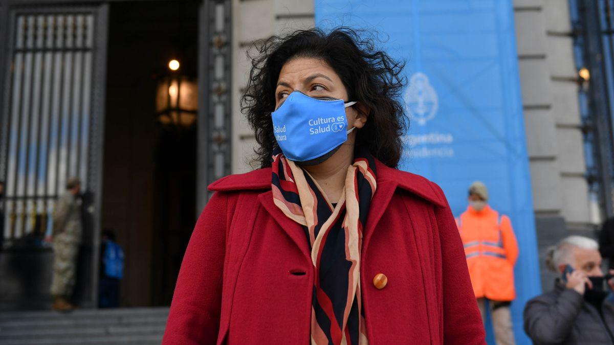 Carla Vizzotti dijo que el debate por los penes de madera muestran la necesidad de la ESI.