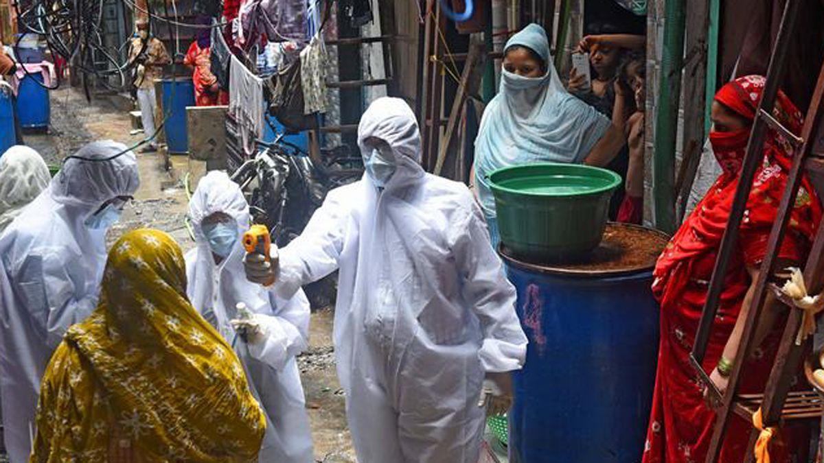 India informó hoy de unos 100.000 contagios diarios