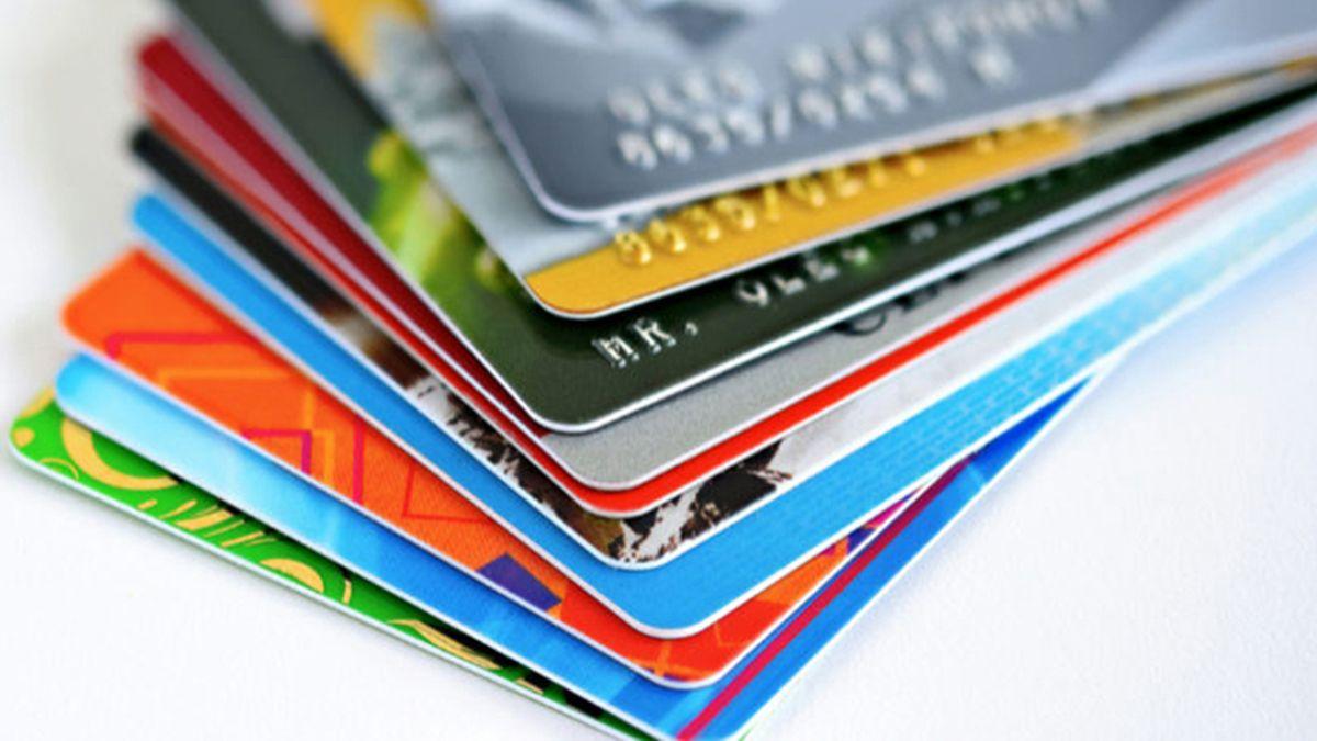 Se suman nuevas denuncias por compras con tarjetas de crédito en el exterior