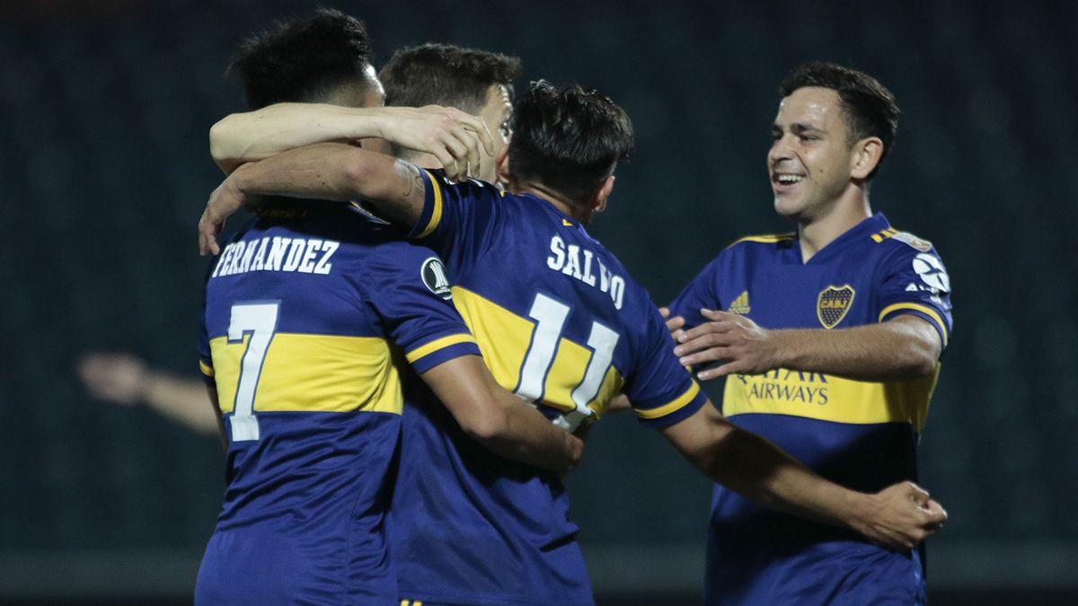 Boca ganó en Paraguay y es líder de su grupo