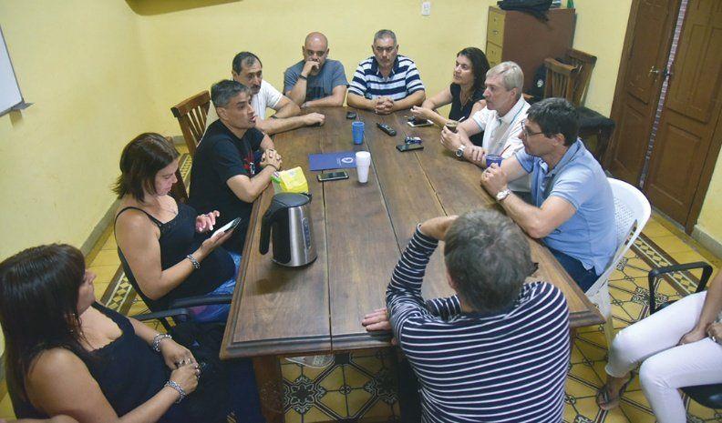 Sin la oposición, concejales se reunieron con dirigentes de ATE