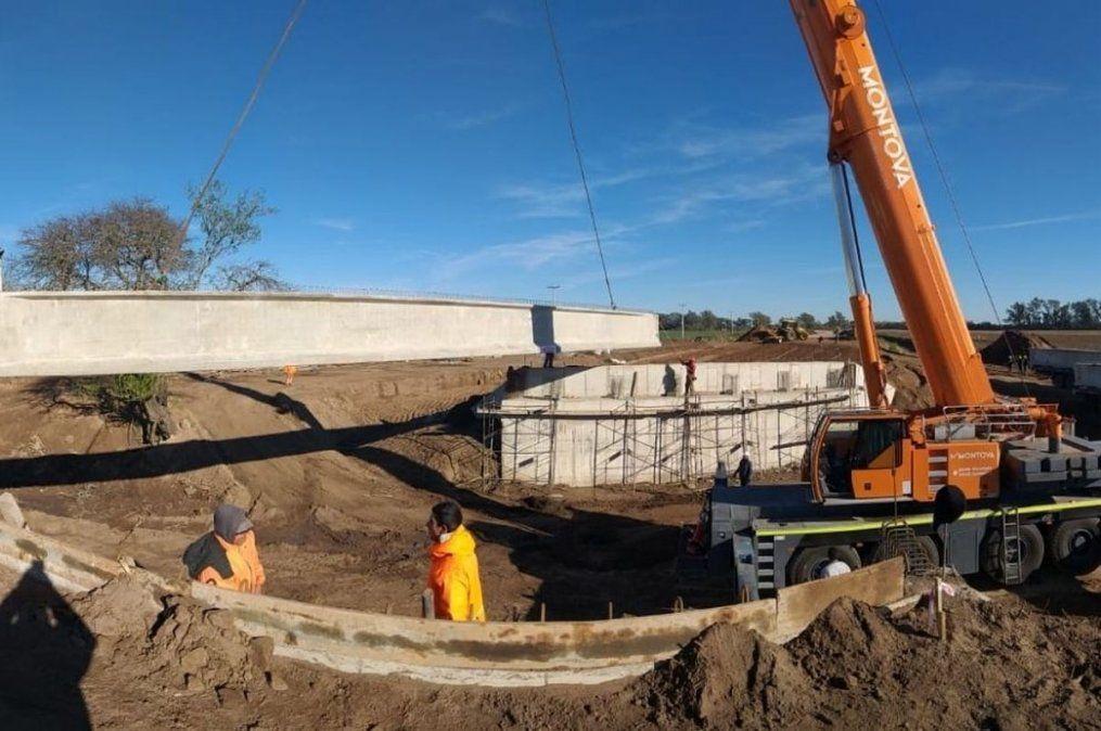 Se trabaja en la construcción del arco suroeste que incluye un nuevo puente. La traza total se extiende a lo largo de 7 kilómetros.