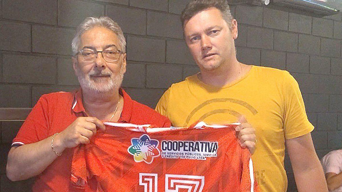 """""""Ranco nos sorprendió al lanzar su candidatura. Es un loco apasionado del trabajo y del fútbol""""."""