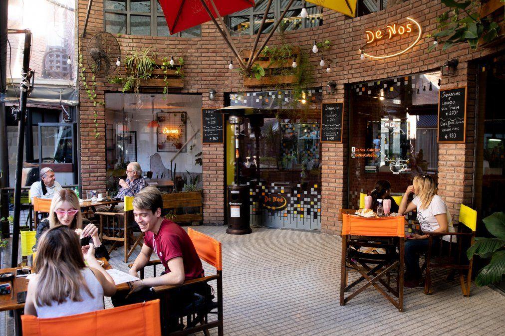 Con estrictos protocolos, comenzaron a funcionar bares, restaurantes y gimnasios