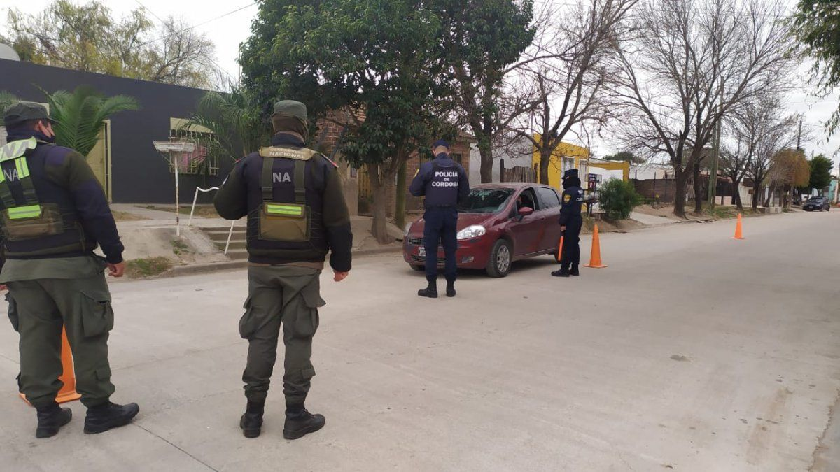 Realizaron un operativo de seguridad en barrio Felipe Botta