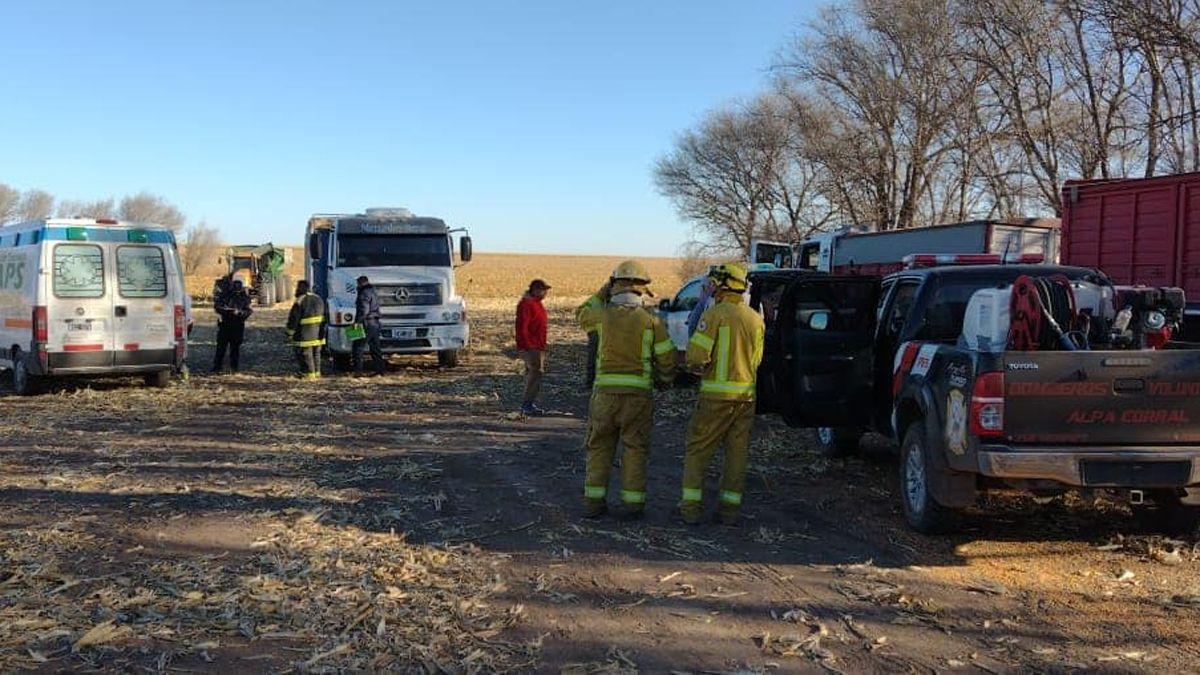 Bomberos y Policía de Alpa Corral intervinieron en el caso.