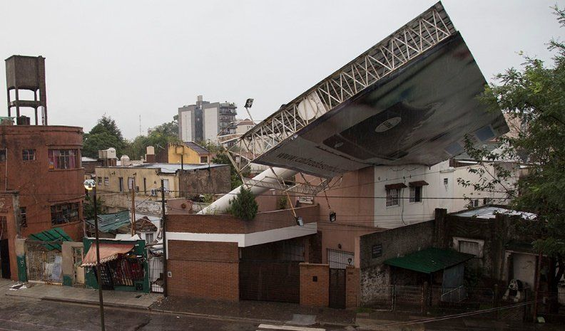 Dos muertos por intenso temporal en Buenos Aires