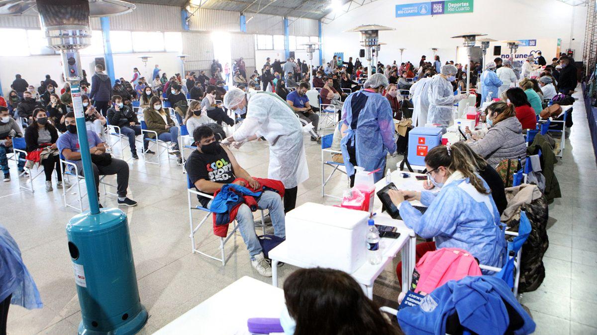 Más de 100 mil personas ya se vacunaron contra la pandemia Covid-19 en Río Cuarto.