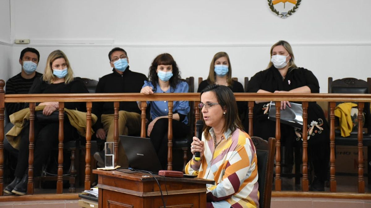Mercedes Novaira brindó su informe de gestión ayer después de la sesión del Concejo.