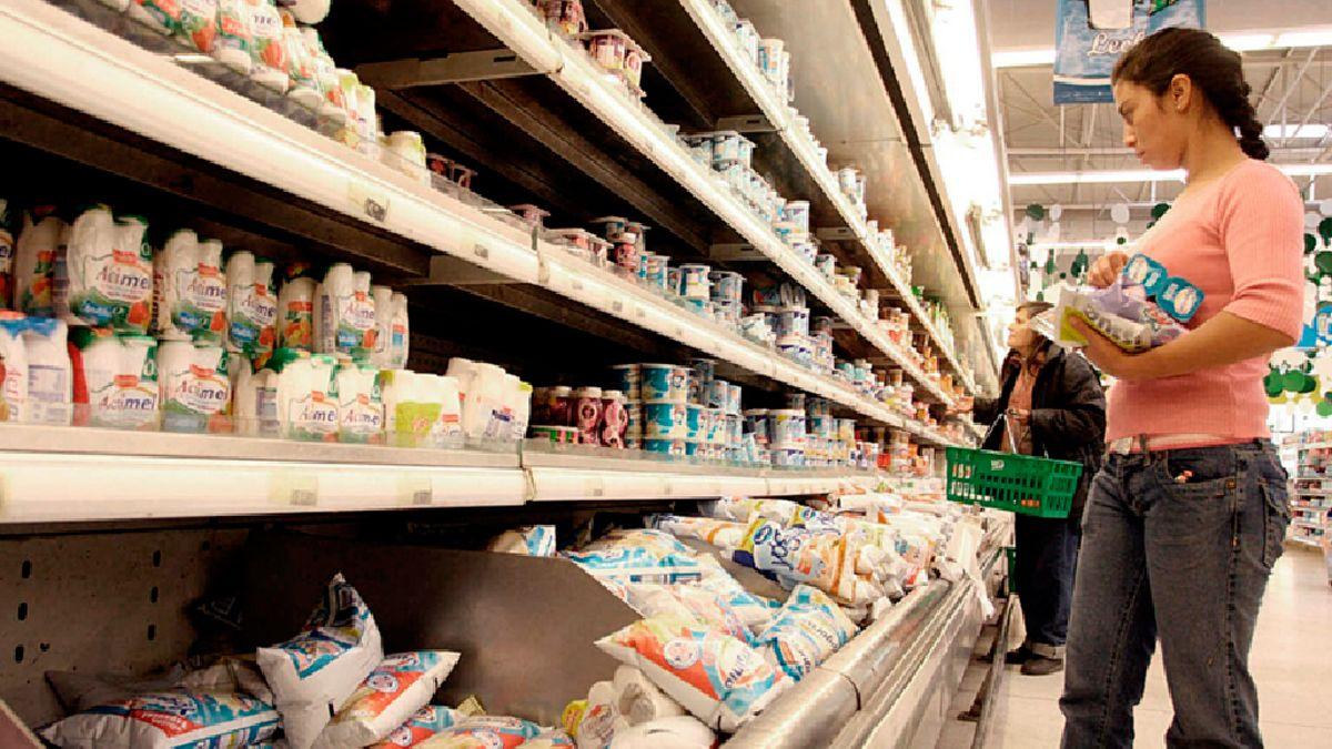 Los programas nacionales de precios son más difíciles de encontrar en las localidades del interior del país.