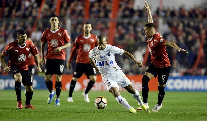 Independiente enfrenta a Defensa y espera el fallo