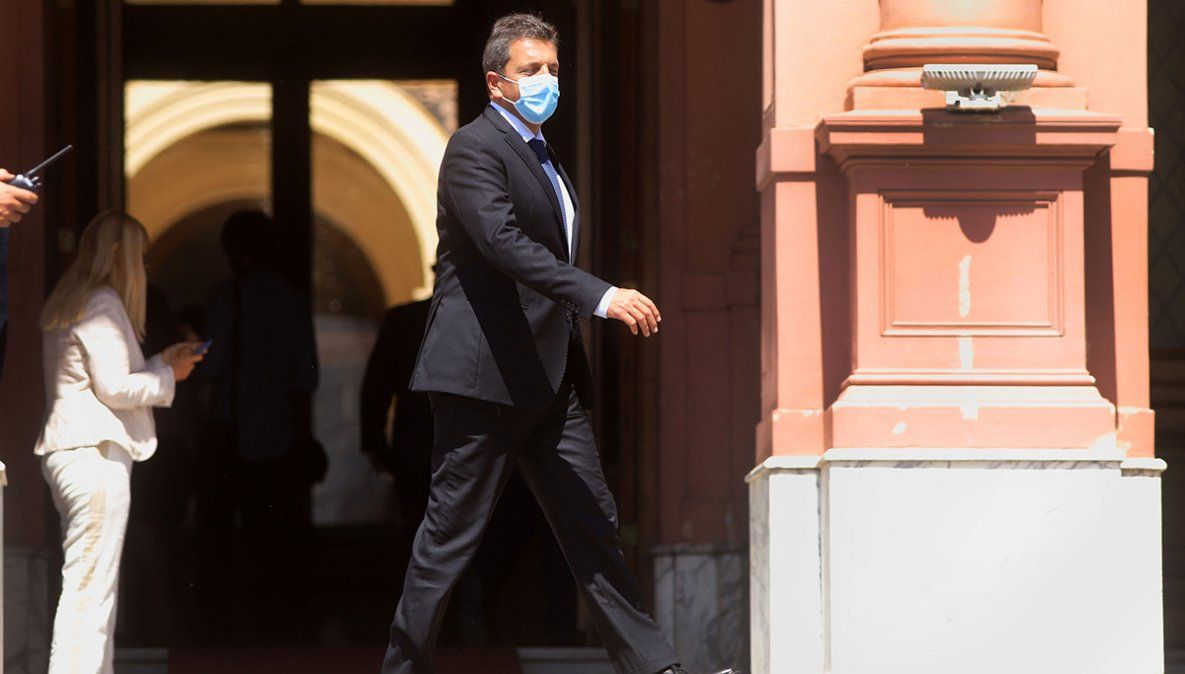 Sergio Massa reunió a los funcionarios de su espacio luego de las renuncias de ministros kirchneristas.