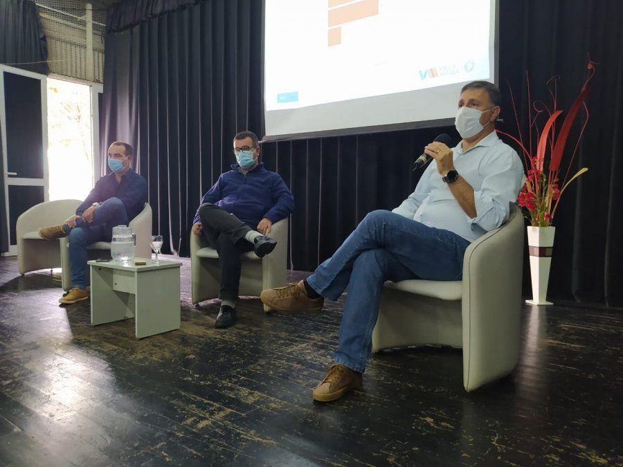 Analizar el actual escenario sanitario en la ciudad e intercambiaron posturas frente al aumento de casos positivos de covid.
