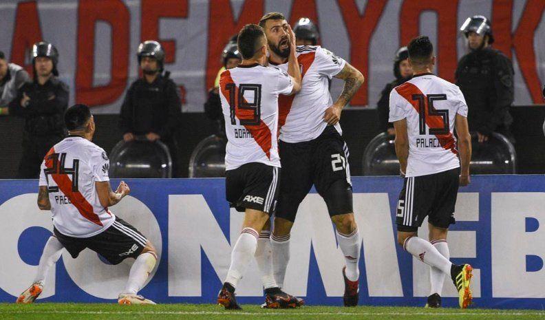 River echó a Racing con una goleada y piensa en Independiente