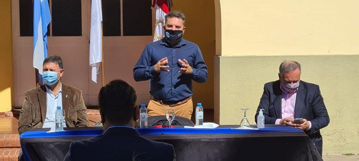 Iván Durigón recorrió la Fábrica Militar local junto con autoridades municipales y provinciales