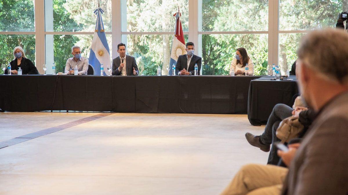 Calvo encabezó la reunión junto a autoridades de Córdoba Turismo.