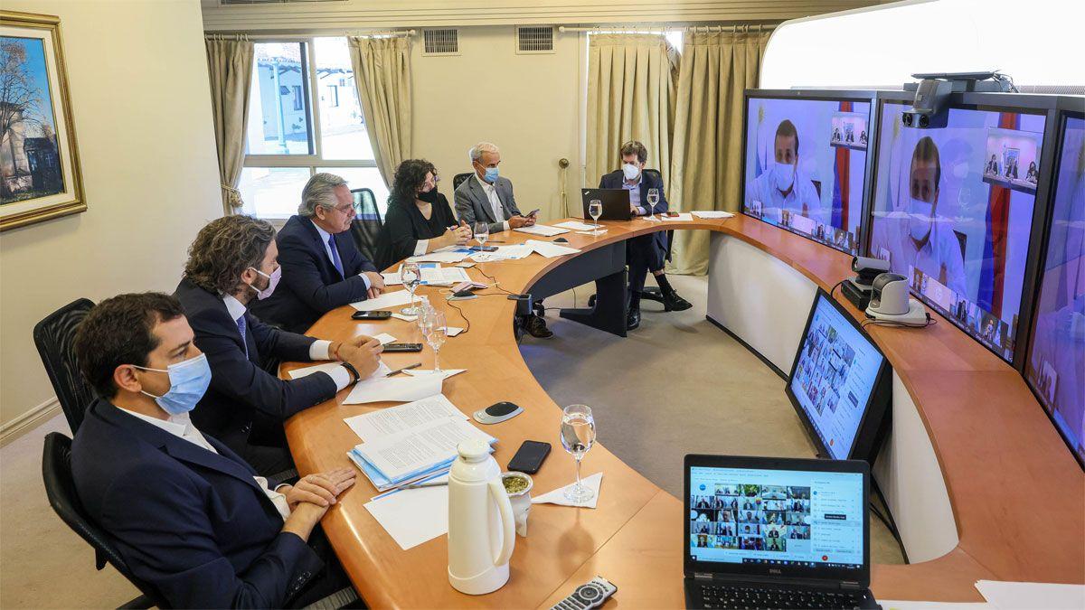 El presidente Alberto Fernández mantiene desde la residencia de Olivos