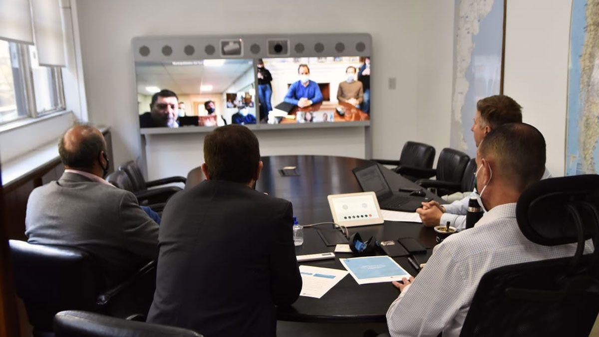 Martín Gill mantuvo una reunión virtual con el administrador General de Vialidad Nacional