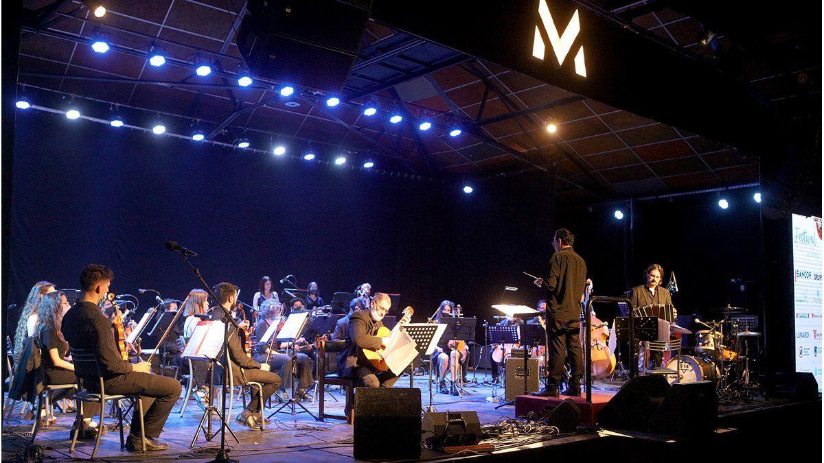 La gala de apertura del Festival Polifónico se realizó en el Viejo Mercado.