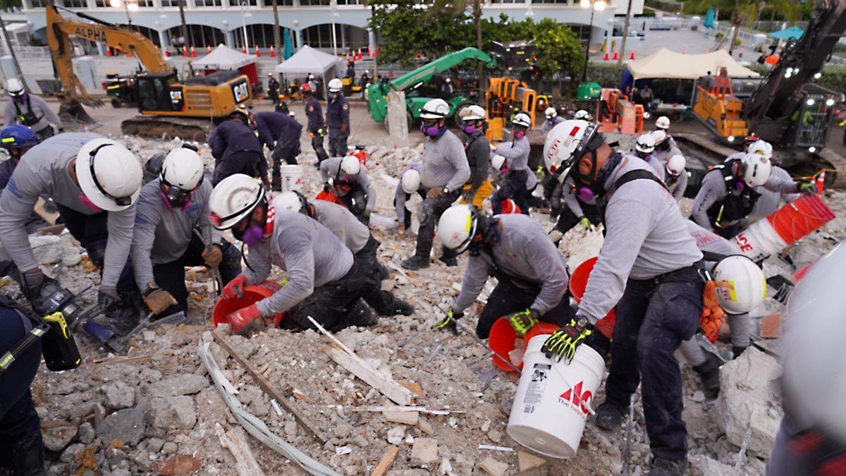 Ya fueron confirmados 54 fallecimientos por el derrumbe en Miami Dade.