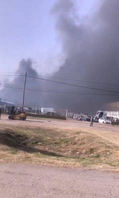 """Más de 80 autos quemados en la """"chacarita"""" ubicada sobre la ruta nacional 9."""