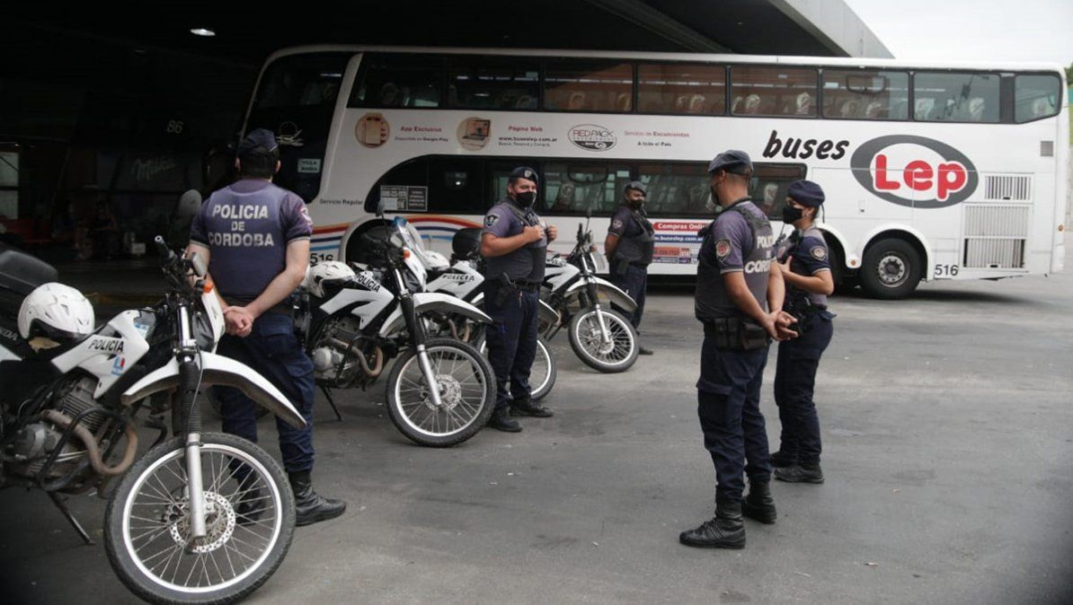 En la Terminal de Córdoba hubo un fuerte operativo de seguridad.