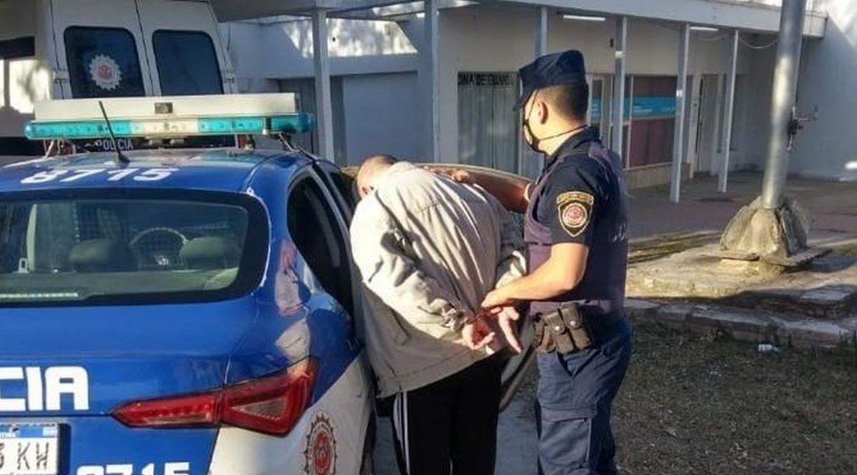 Robó en un comercio local y fue detenido