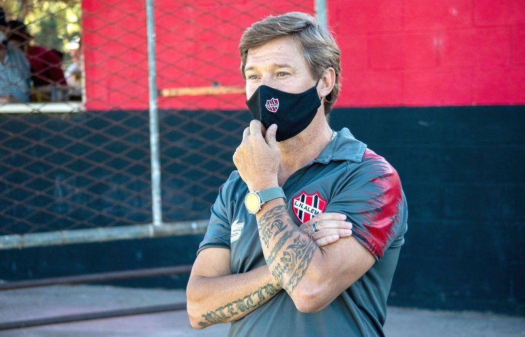 """Mauricio Morales confesó: """"Vamos por la gloria. Tengo un plantel justo. El equipo tuvo buena reacción"""