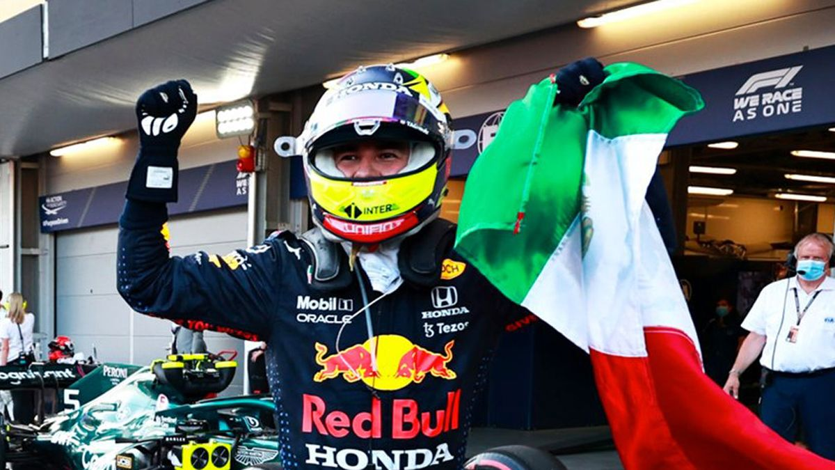 Pérez se llevó el Gran Premio de Azerbaiyán