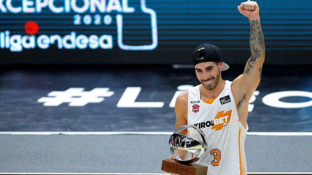 Vildoza fue el el mejor jugador de las finales con Baskonia.