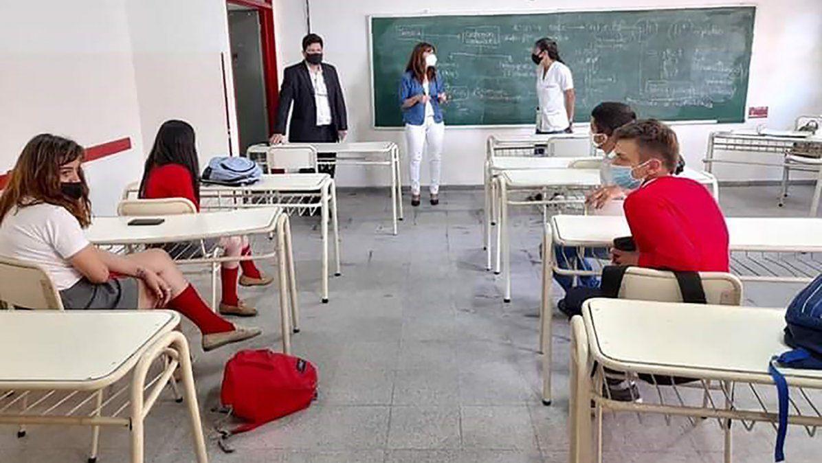 Gremios docentes piden que se suspenda la presencialidad si se incrementan los casos