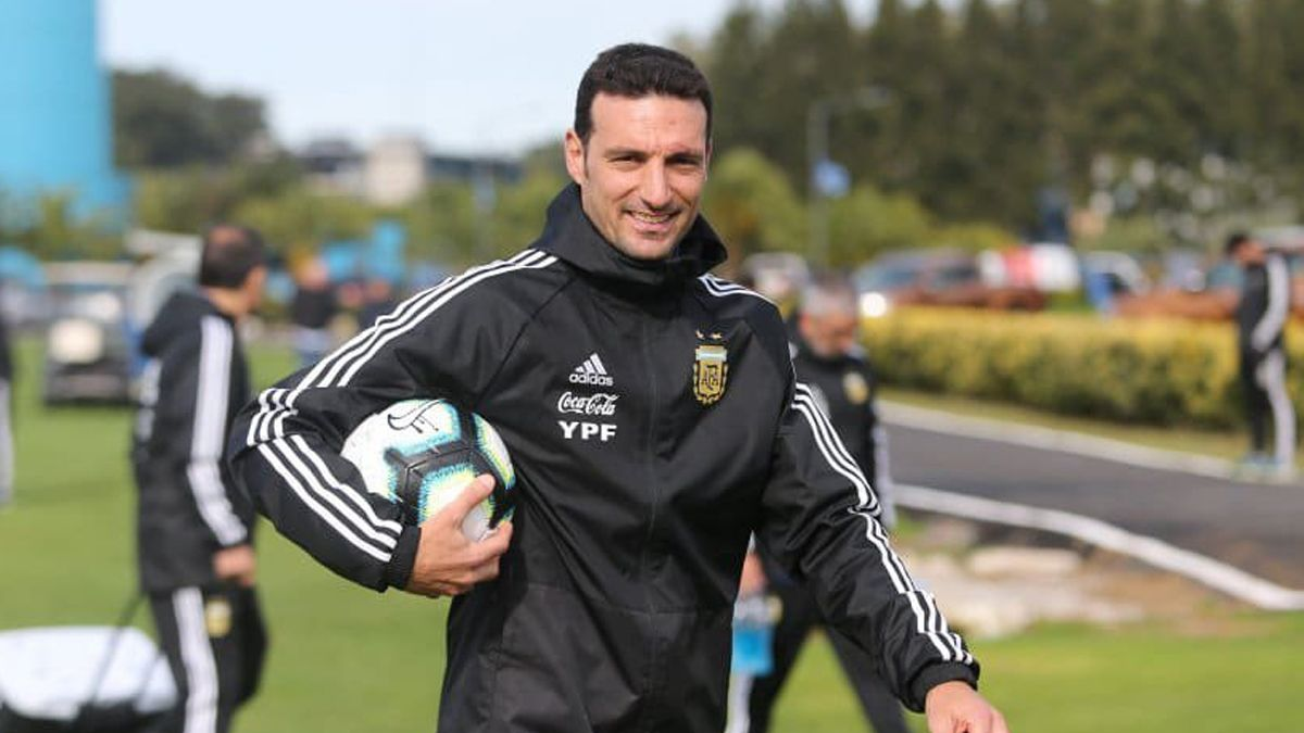 El técnico Lionel Scaloni no confirmó el once titular para el partido de hoy ante Colombia desde las 20.