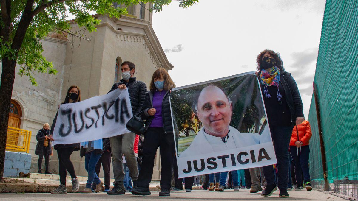 La marcha recorrió el centro de Vicuña Mackenna en reclamo de justicia.