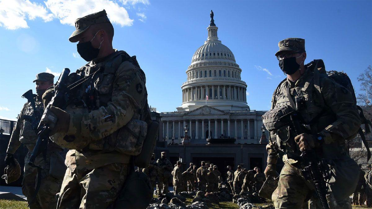 La ciudad de Washington es vigilada por 25 mil miembros de la Guardia Nacional.